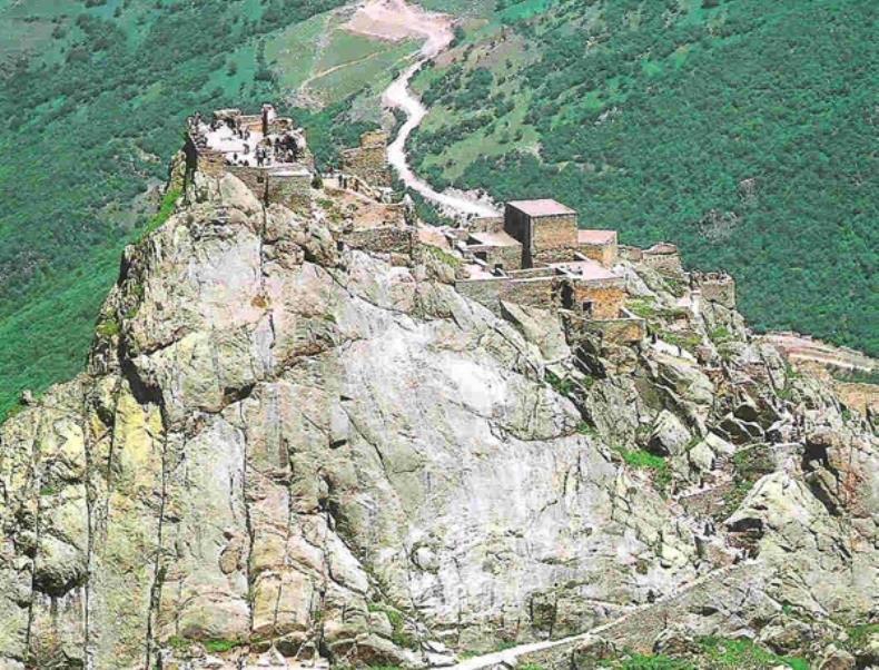 قلعه بابک تبریز