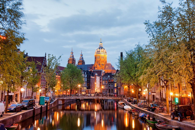 کاخ سلطنتی آمستردام