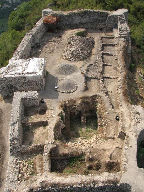 قلعه مار کوه رامسر