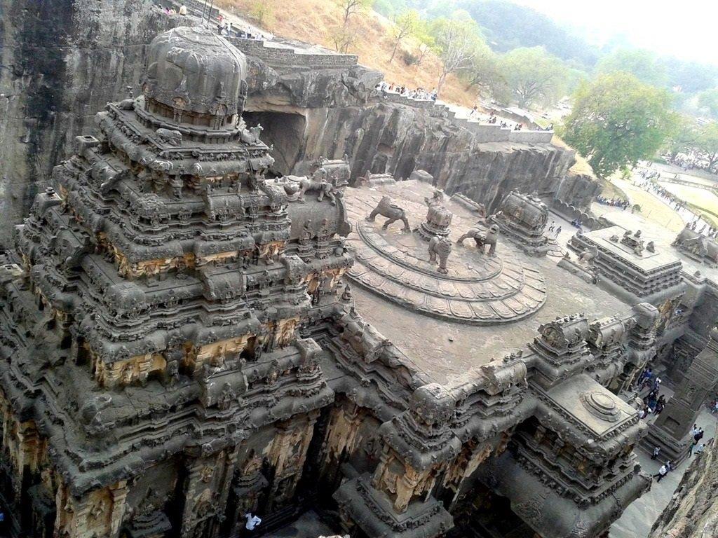 غارهای آلورا در هند