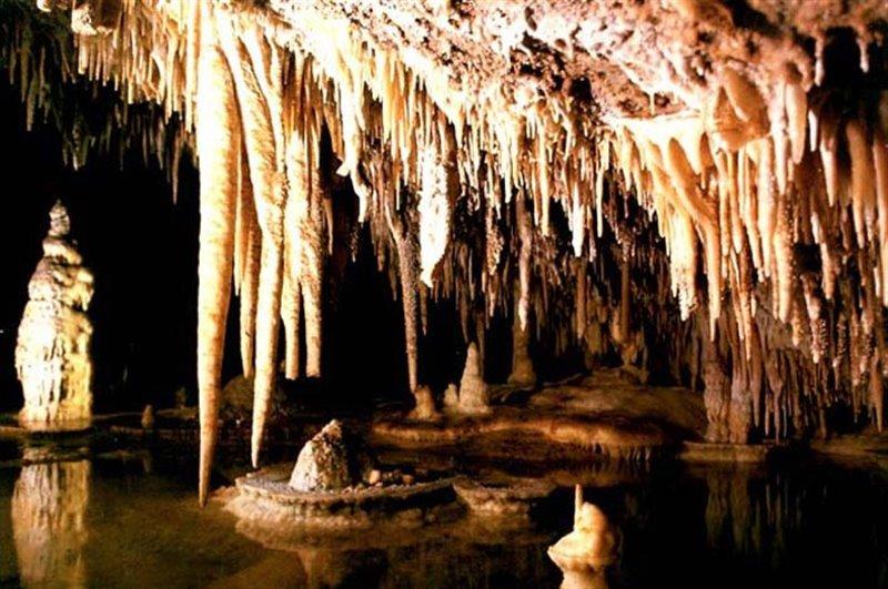 غار یخکان اردبیل