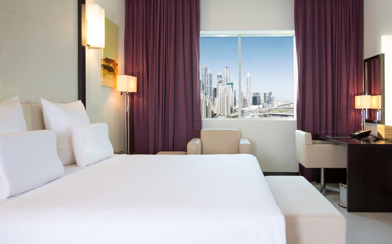 هتل پولمن جمیرا لیکز تاورز و رزیدنس دبی