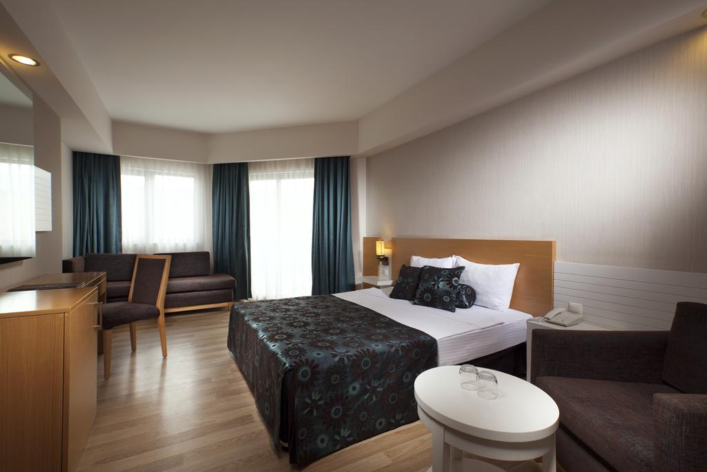هتل دیاموند بیچ آنتالیا