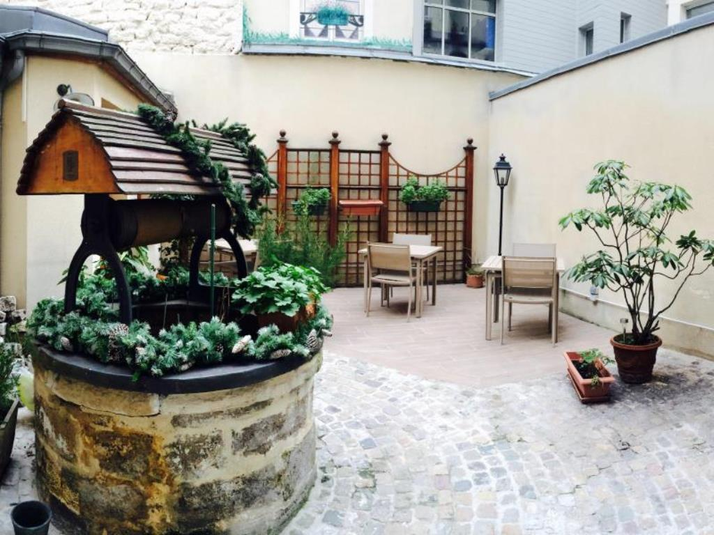 هتل کارینا تور ایفل پاریس