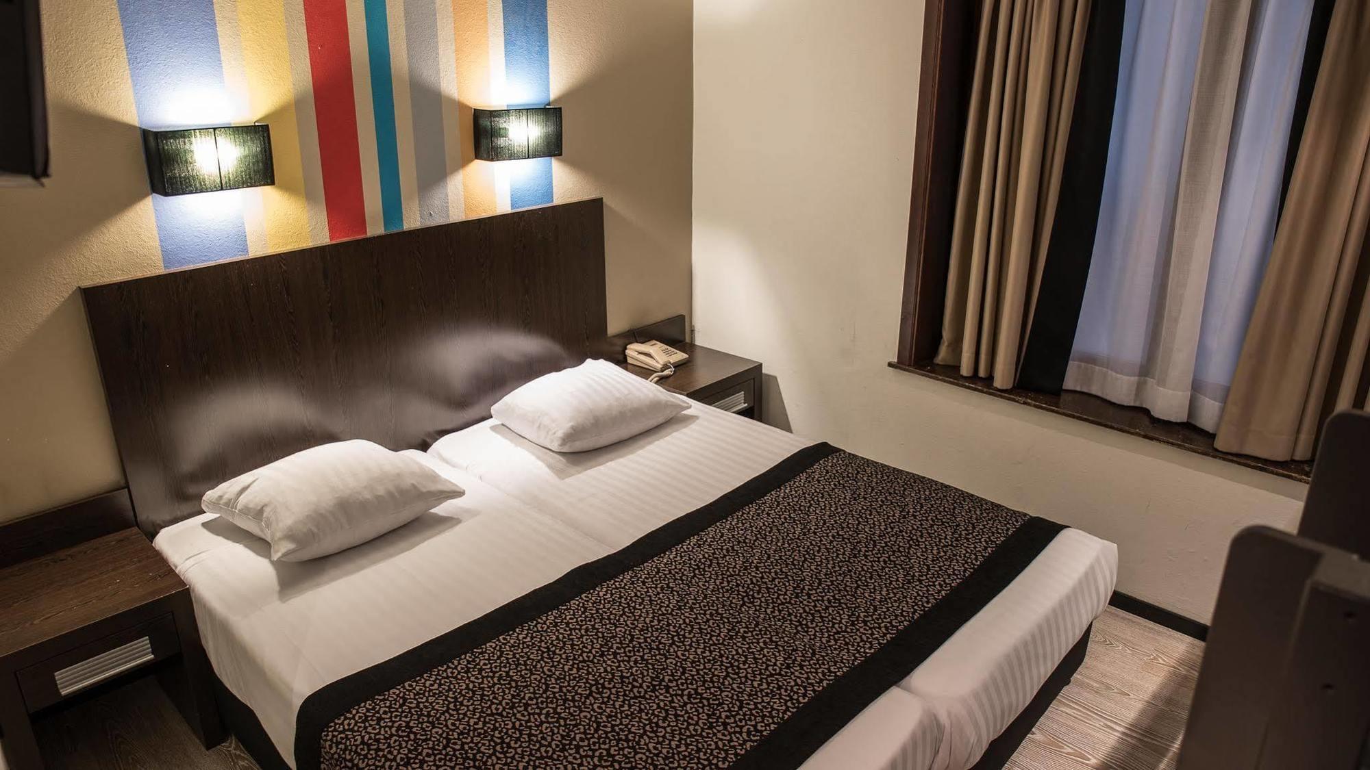 هتل فلوریس اوستل میدی بروکسل