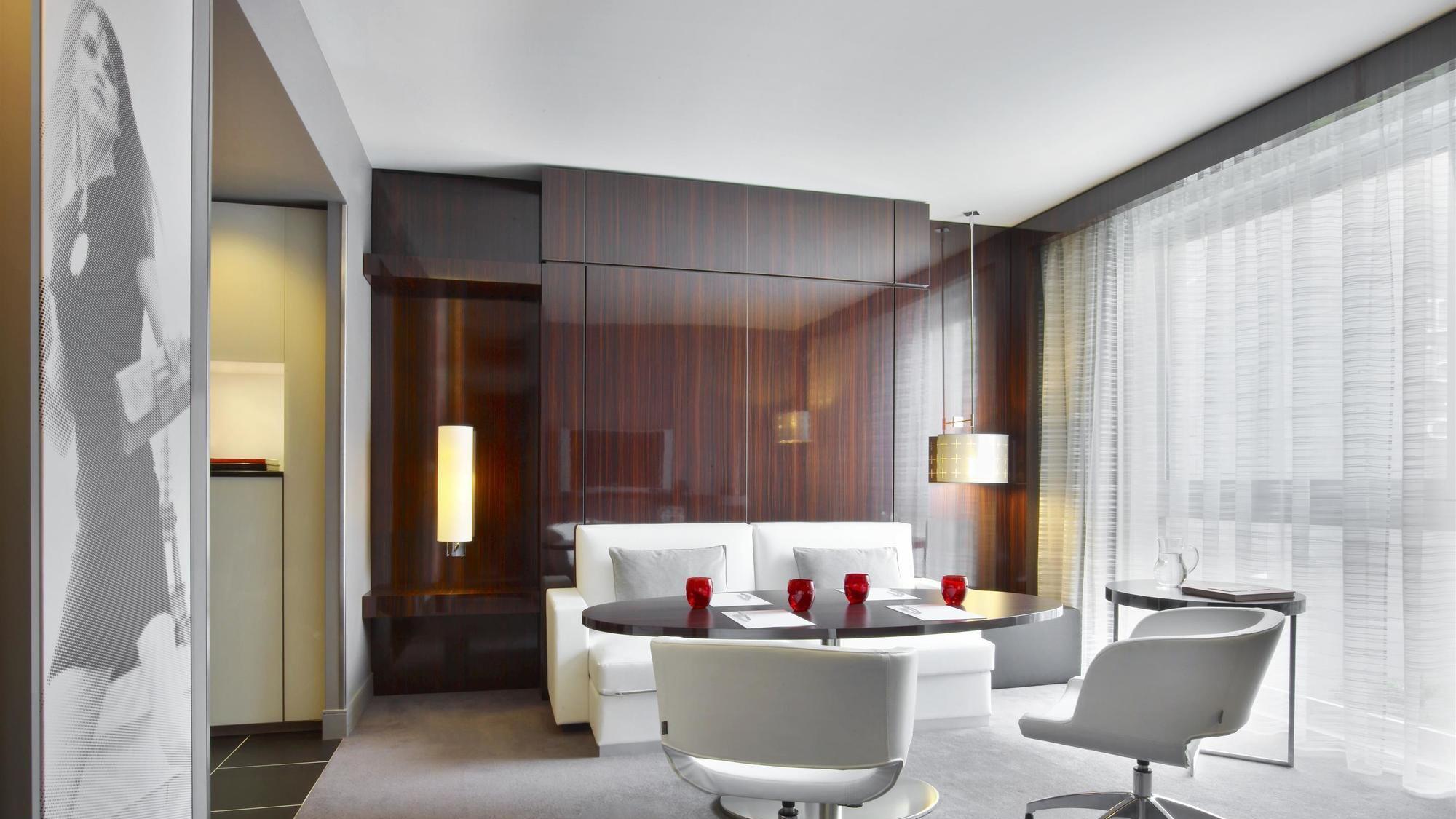 هتل لو مریدین اتوال