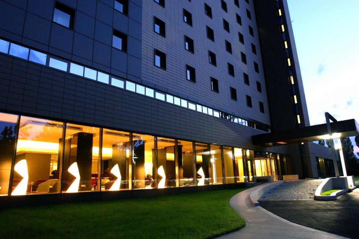 هتل رامادا پلازا رومانی