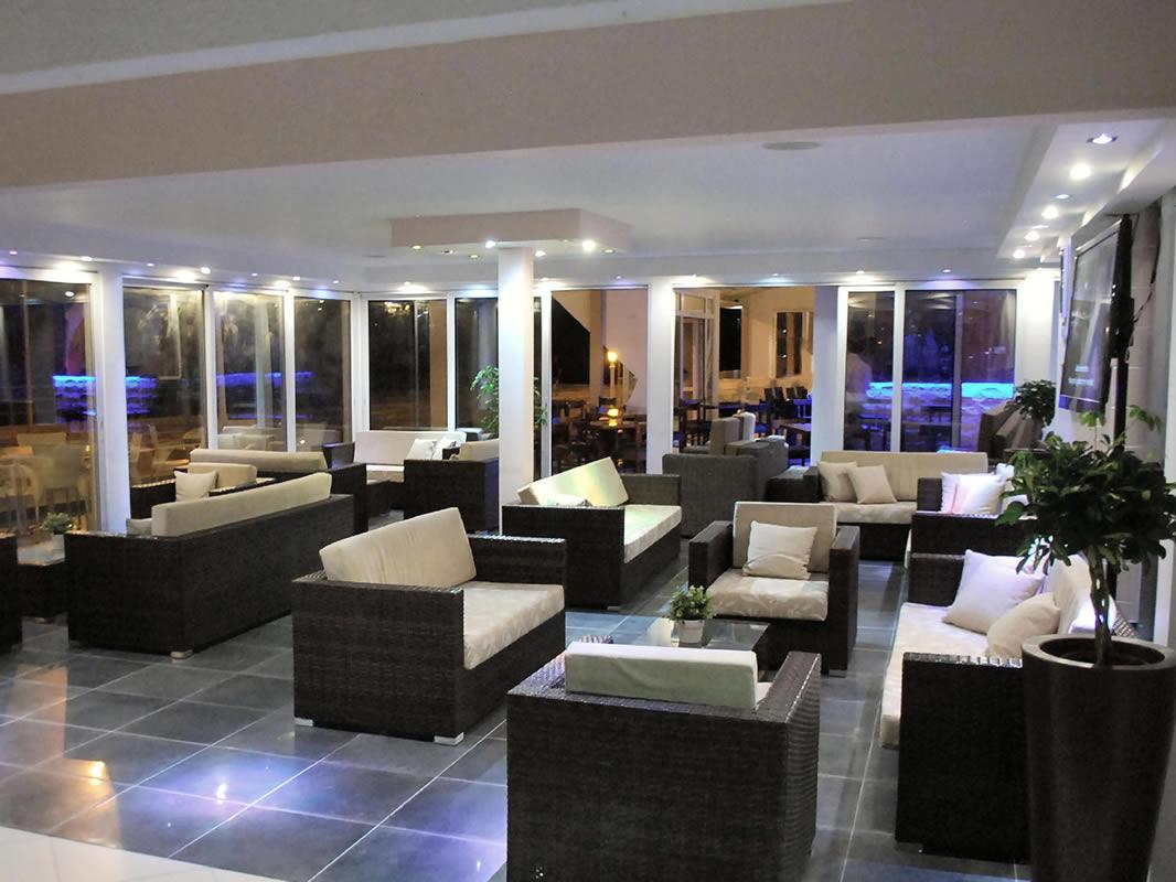 هتل مکنزی بیچ لارناکا