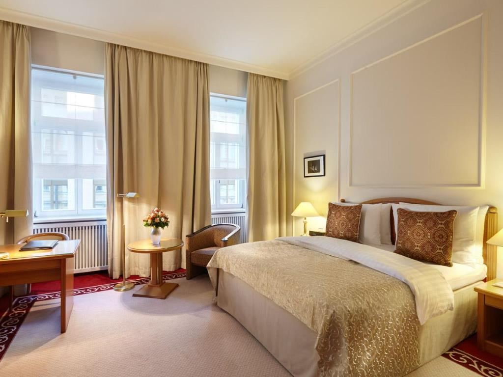 هتل بالستشوگ کمپنسکی