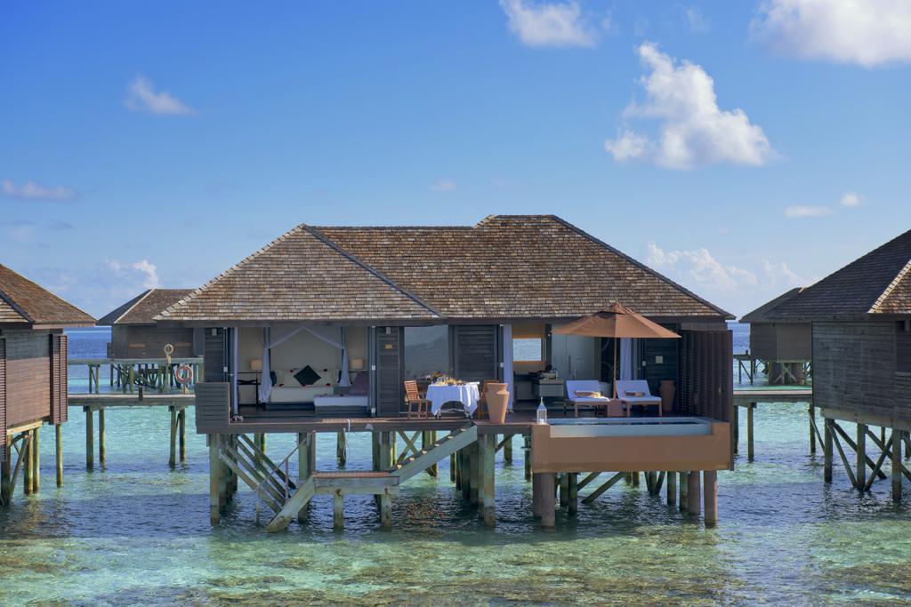 هتل لیلی بیچ ریزورت مالدیو
