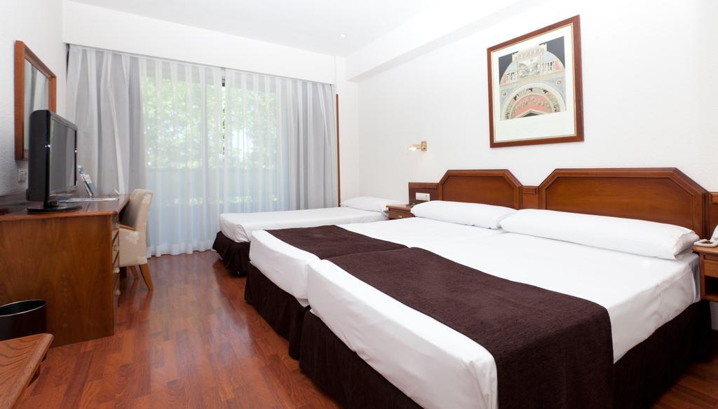 هتل سناتور باراجاس مادرید