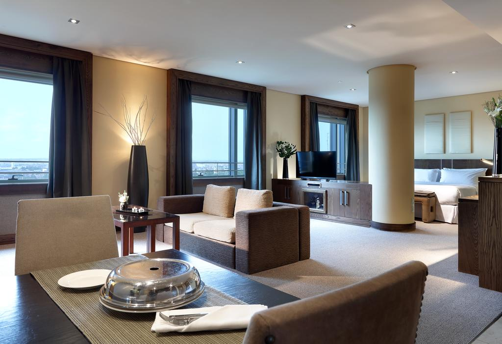 هتل یورواستارز سوئیتس میراثیرا مادرید