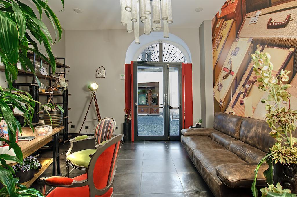 هتل ناونا کالرز