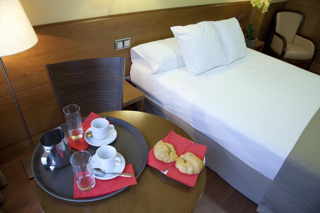 هتل استرلینگ مادرید