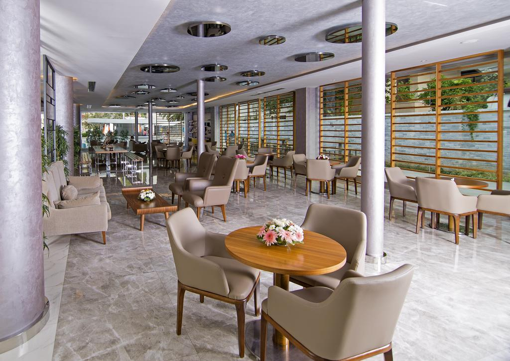 هتل میراژ ورلد مارماریس