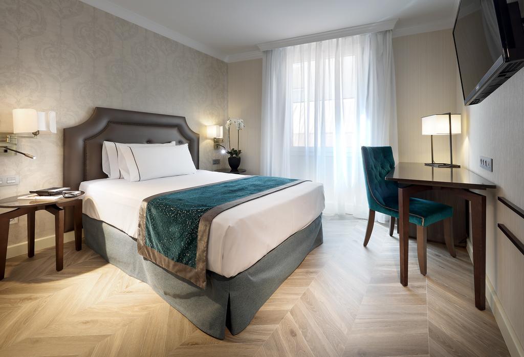 هتل یورواستارز کاسا دی لا لیریکا مادرید