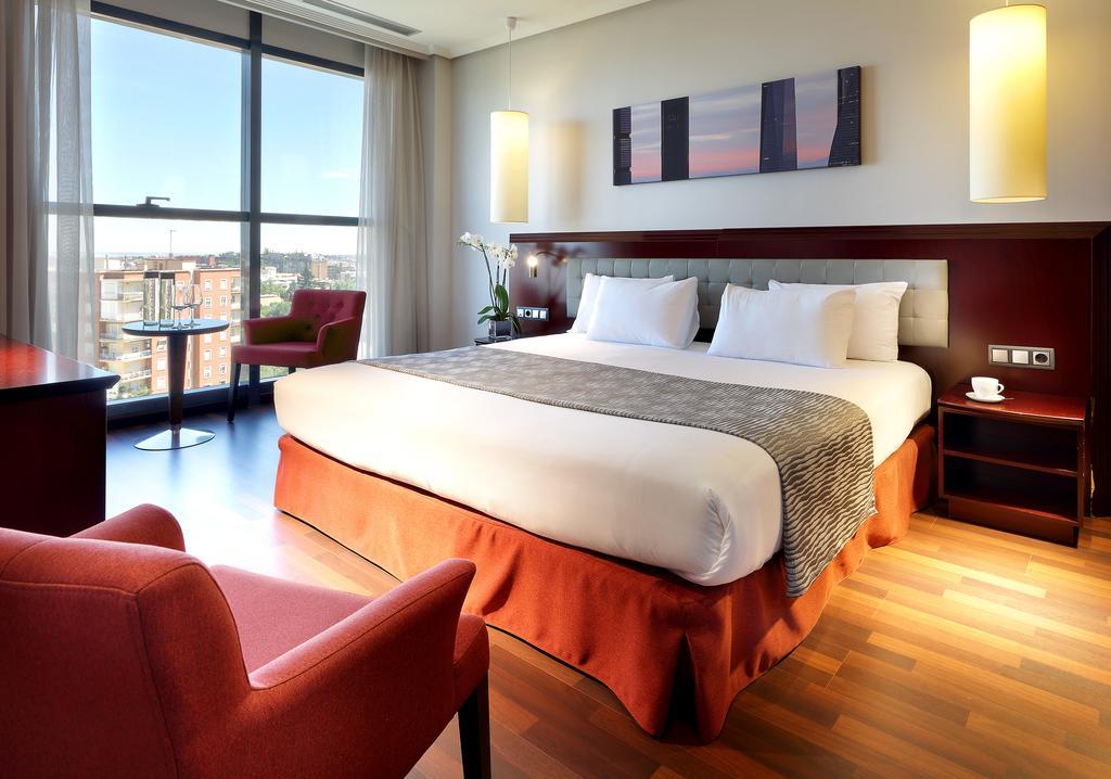 هتل ویا کاستلانا مادرید