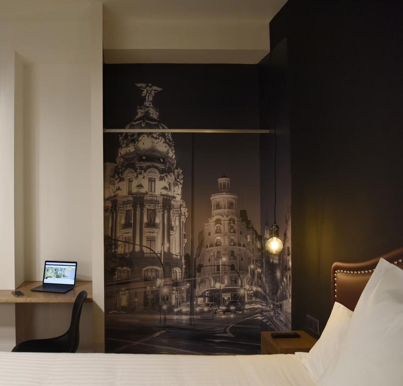 هتل ووهو سوئیتس مادرید