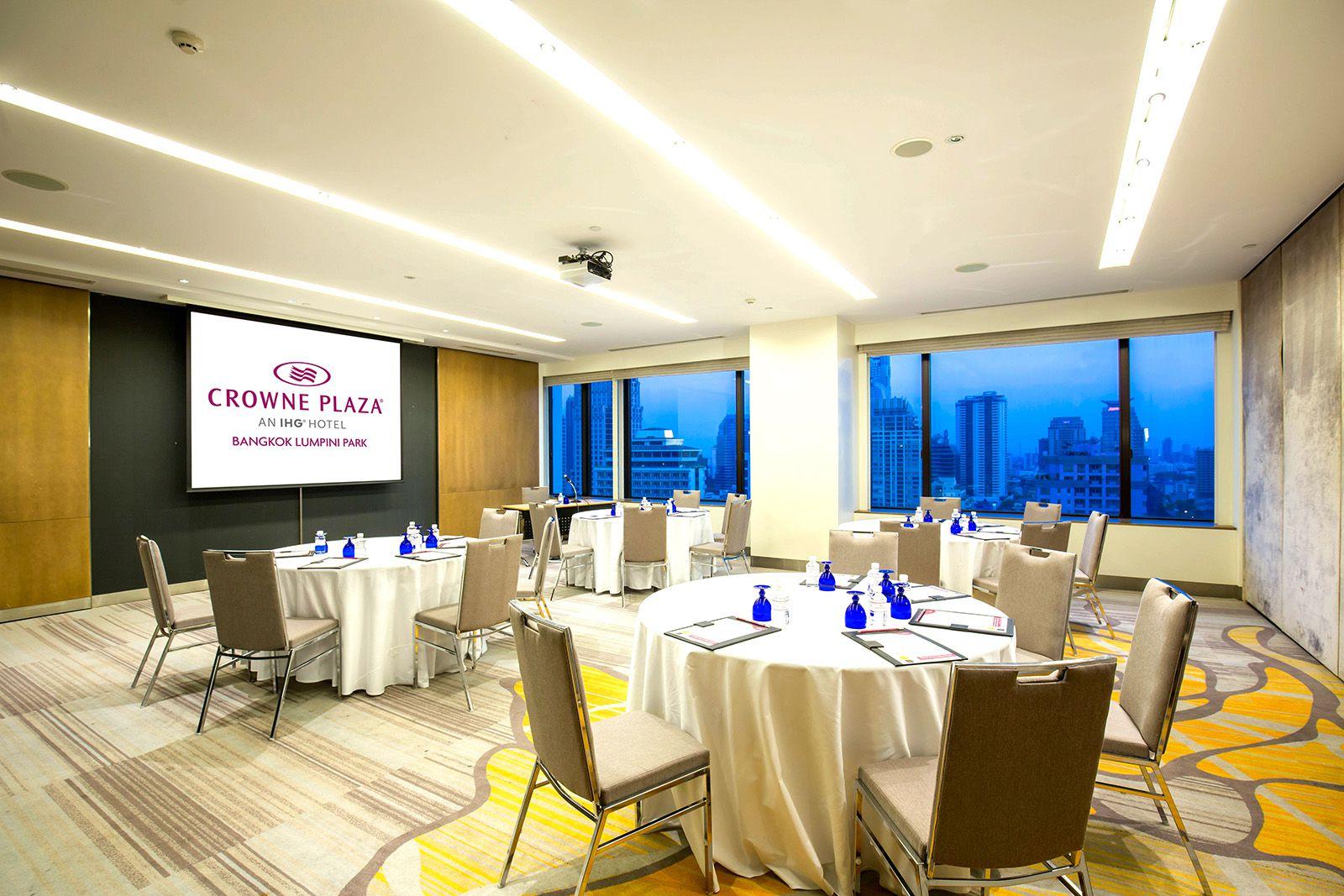 هتل کراون پلازا لومپینی پارک بانکوک