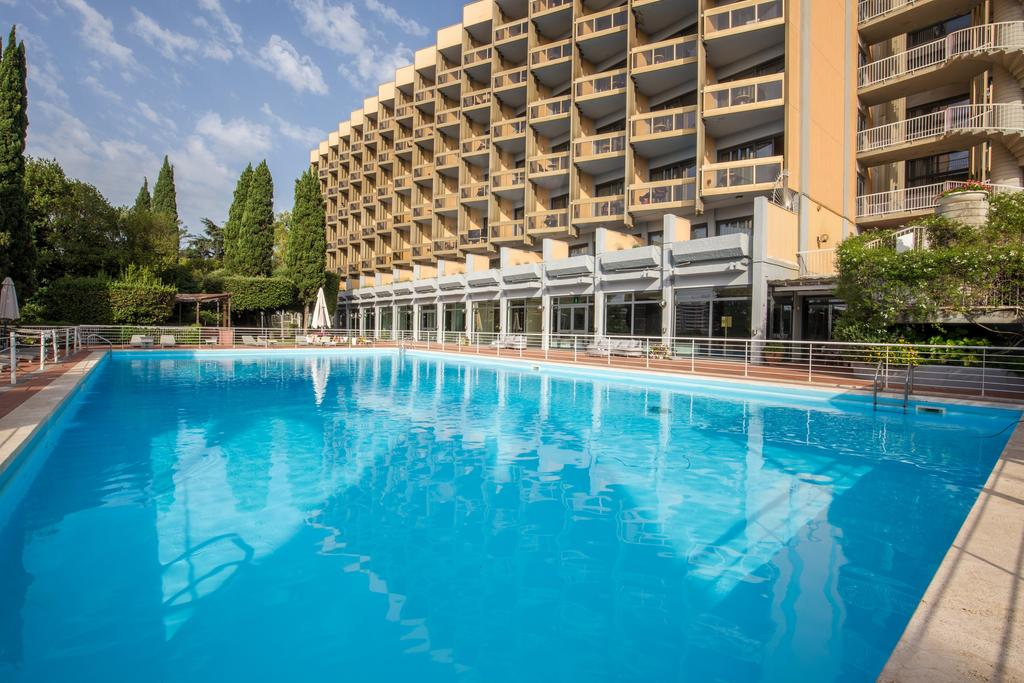 هتل میداس رم