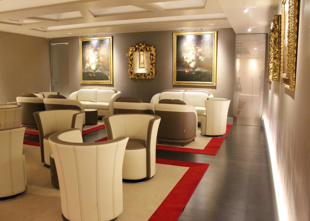 هاریز بار تروی هتل & رستورانت رم