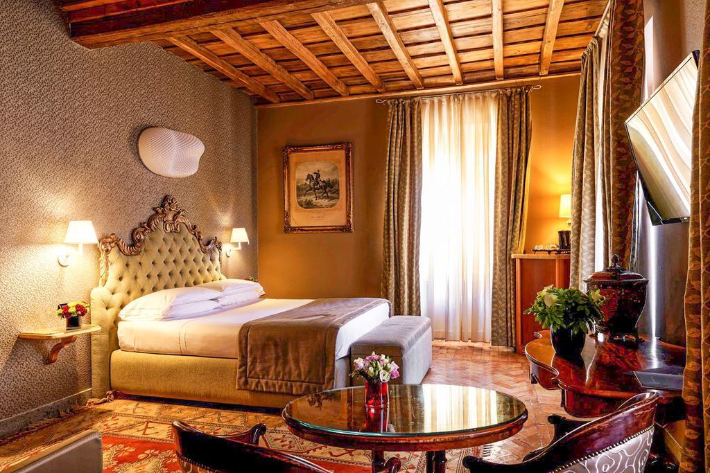 هتل والادیر رم