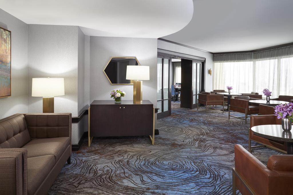 هتل بین قاره ای تورنتو