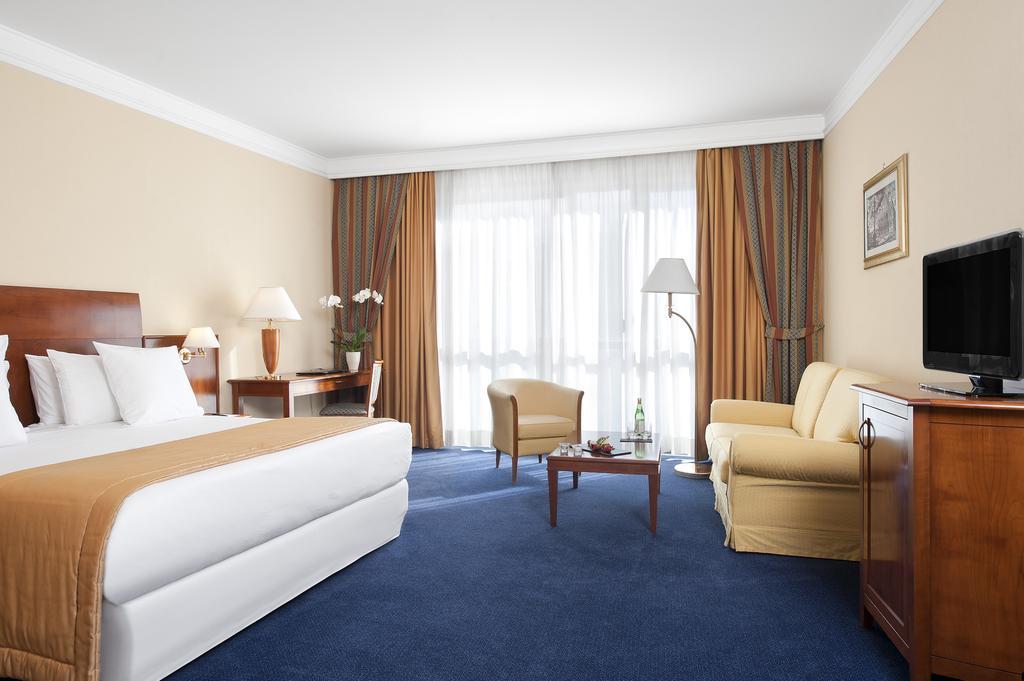 هتل رما آیورلیا آنتیکا