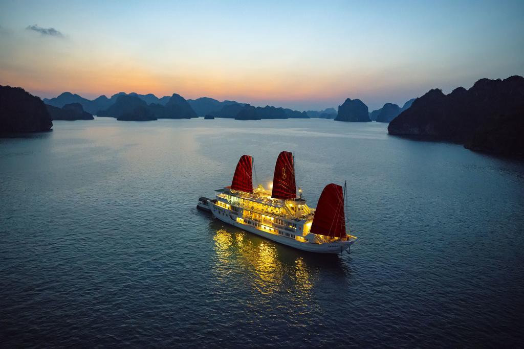 هتل سیرنا کروز خلیج هالونگ