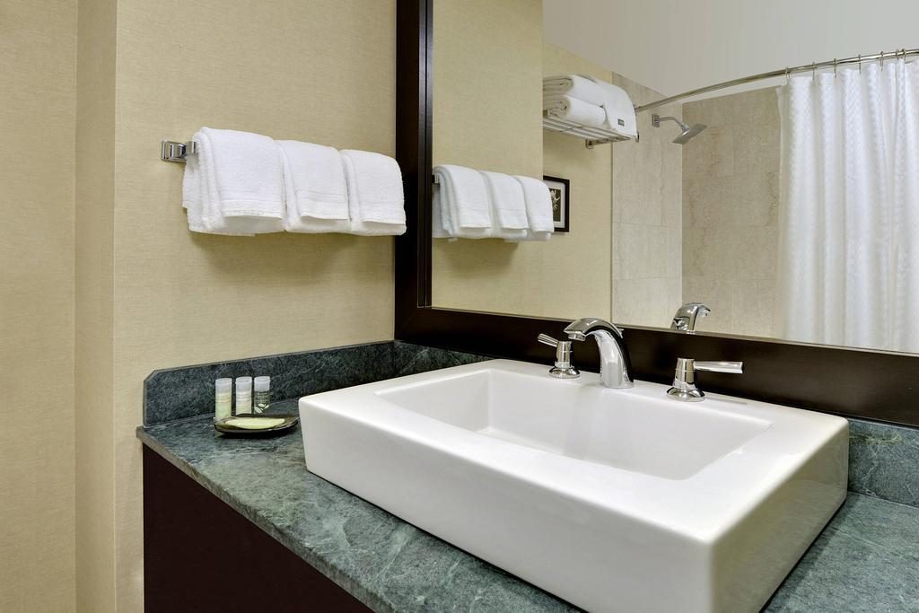 هتل وستین پرینس تورنتو