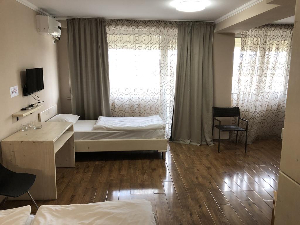 هتل تفلیس سنترال بای ام جی زاوربی