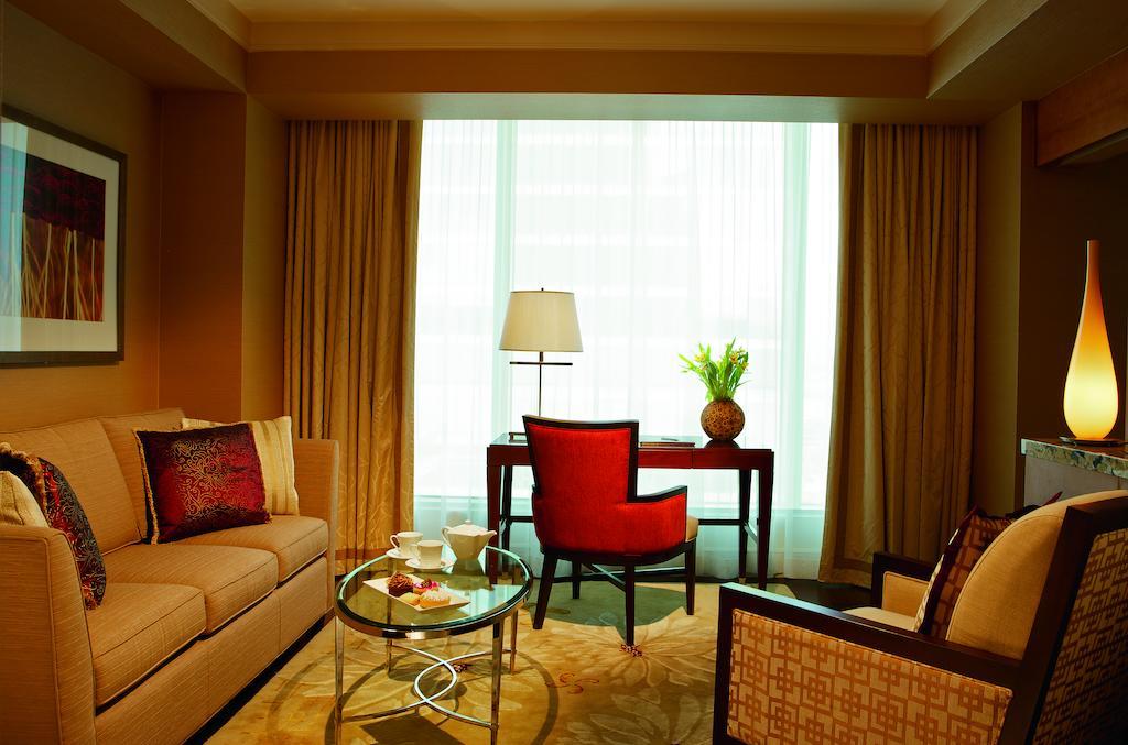 هتل ریتز کارلتون تورنتو
