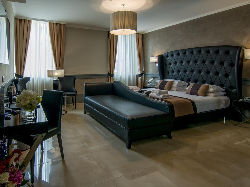 هتل پیازا ونزیا رم
