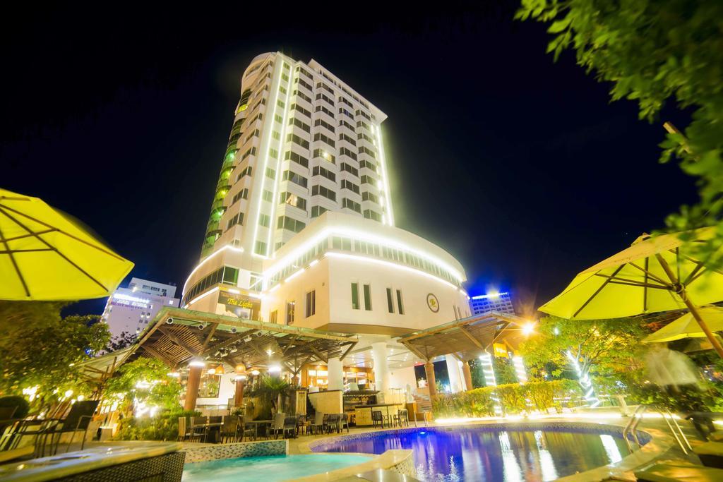 هتل دی لایت اند ریزورت