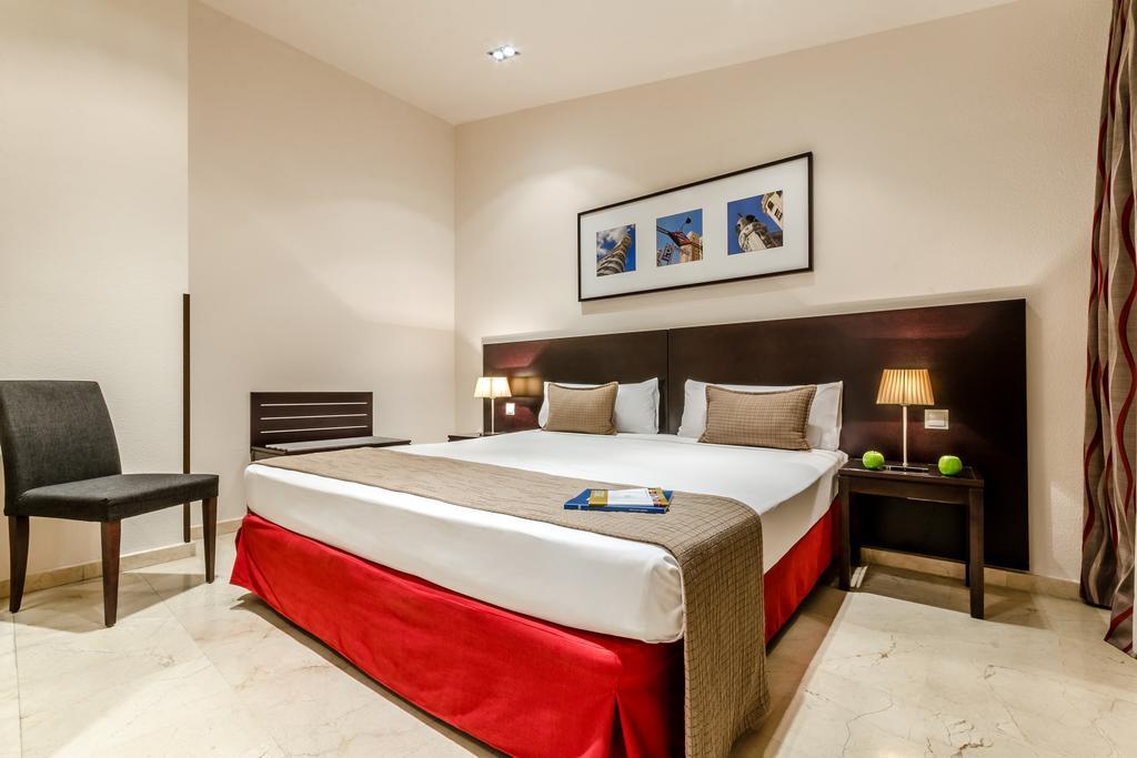 هتل ایاکسای سوئیت 33 مادرید