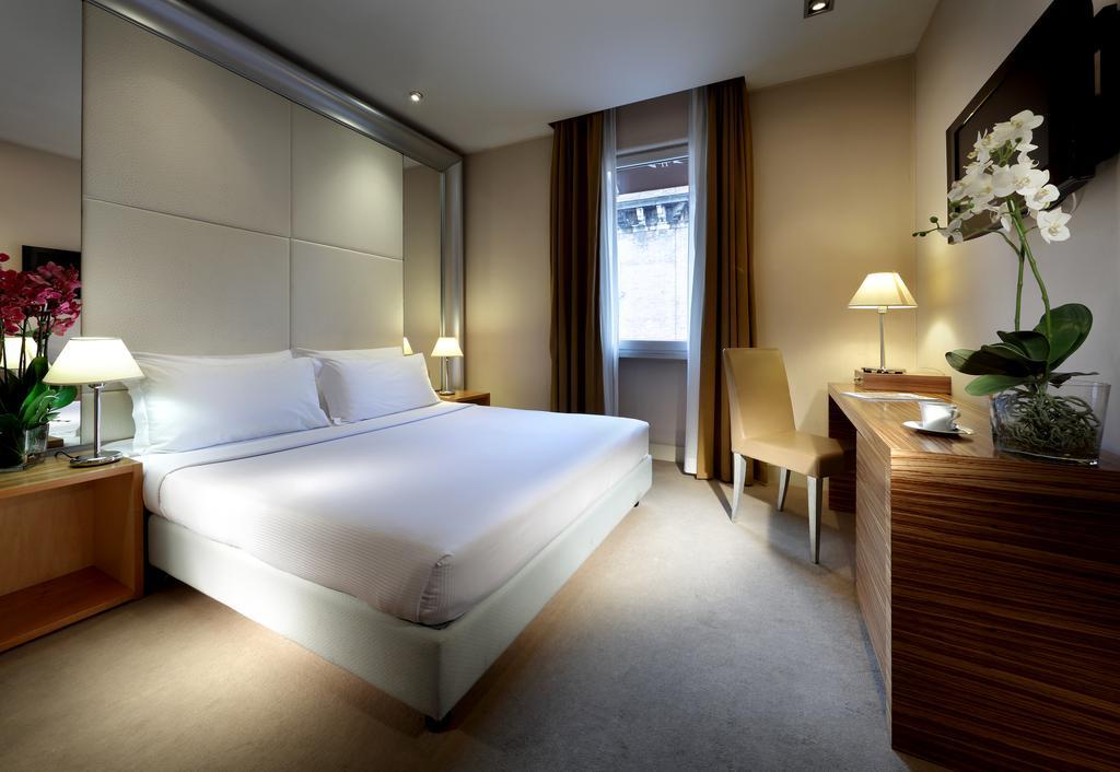 هتل یورو استارز سینت جان رم
