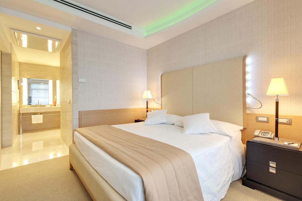 هتل بارسلو آران منتگنا رم
