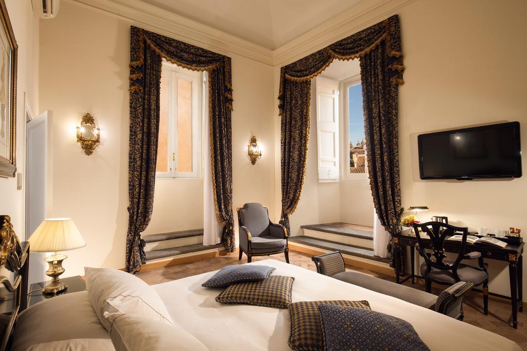 هتل ایچ بورومینی پلازو پامفیلج رم