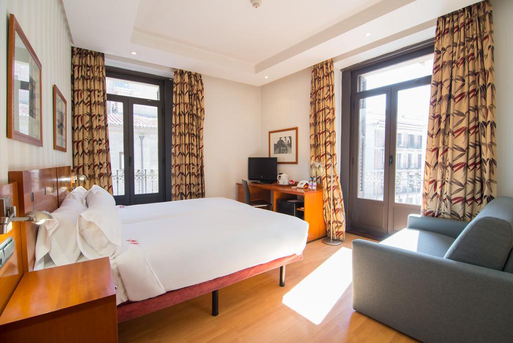 هتل پتیت پالاس پرسیادوس مادرید