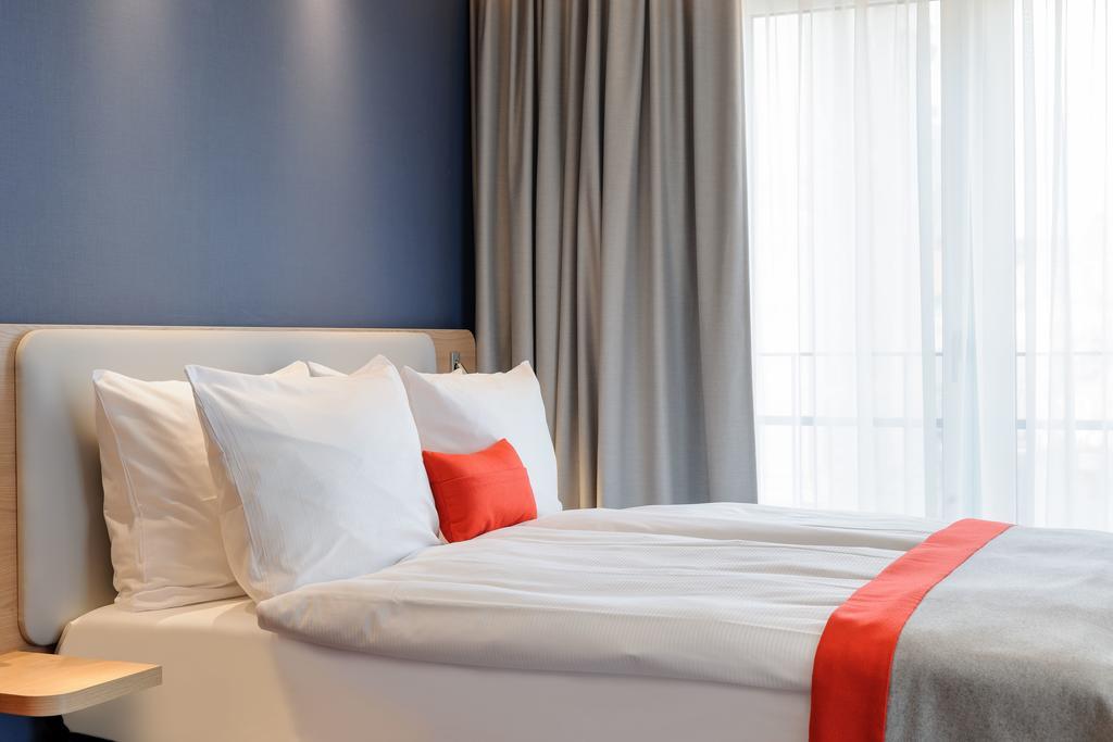 هتل هالیدی این اکسپرس برلین الکساندر پلاتز برلین