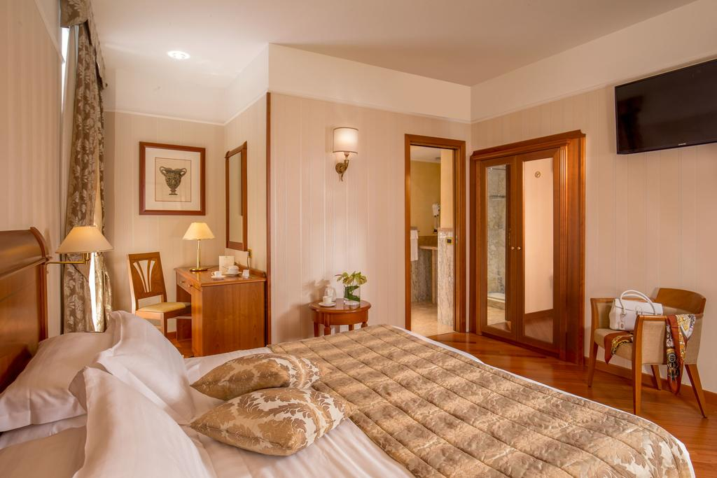هتل آلبرگو اوتوسنتو رم