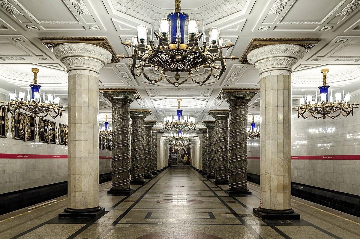 زیباترین ایستگاه های متروی سنت پترزبورگ