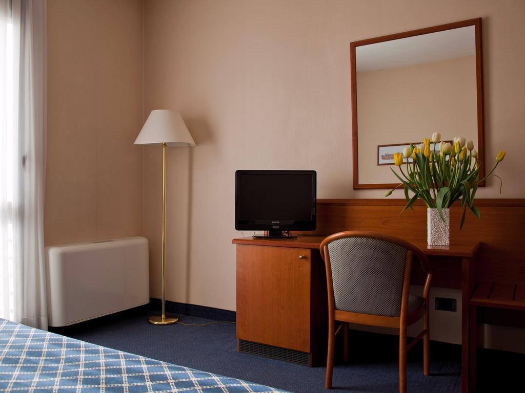 هتل زون رم