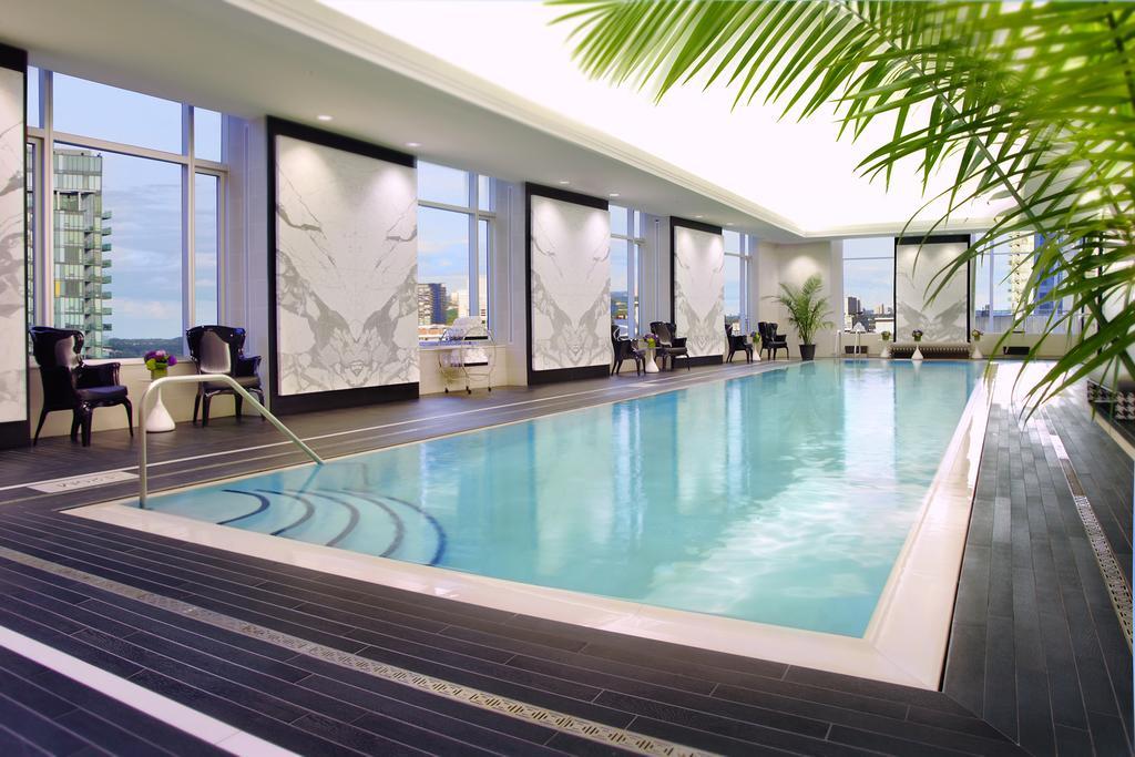 هتل اس.تی رجیس تورنتو