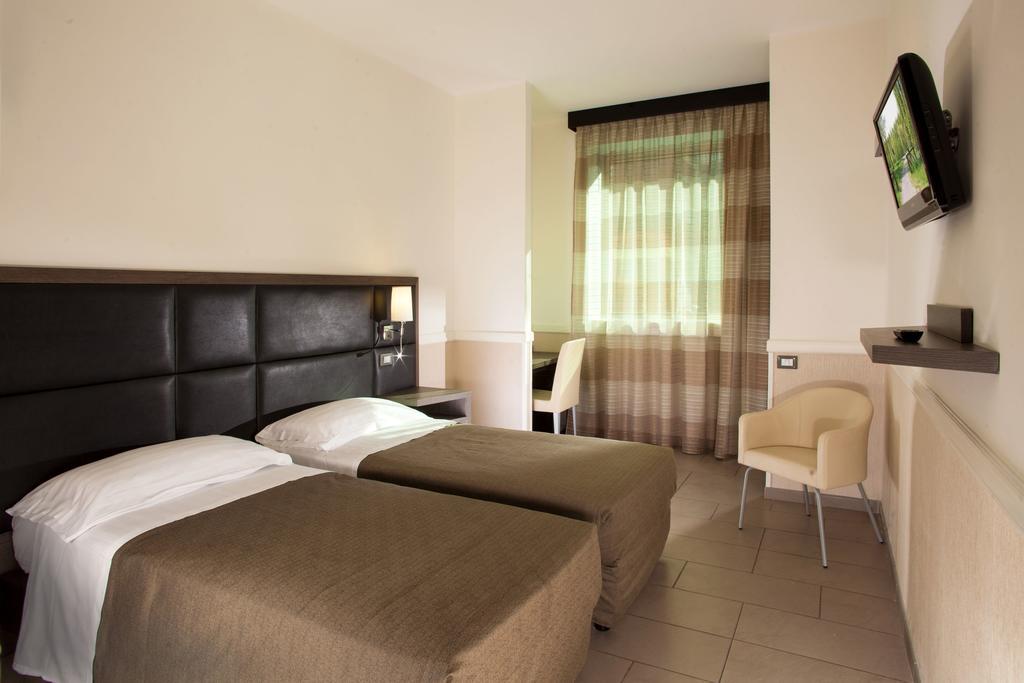 هتل آرتیس رم