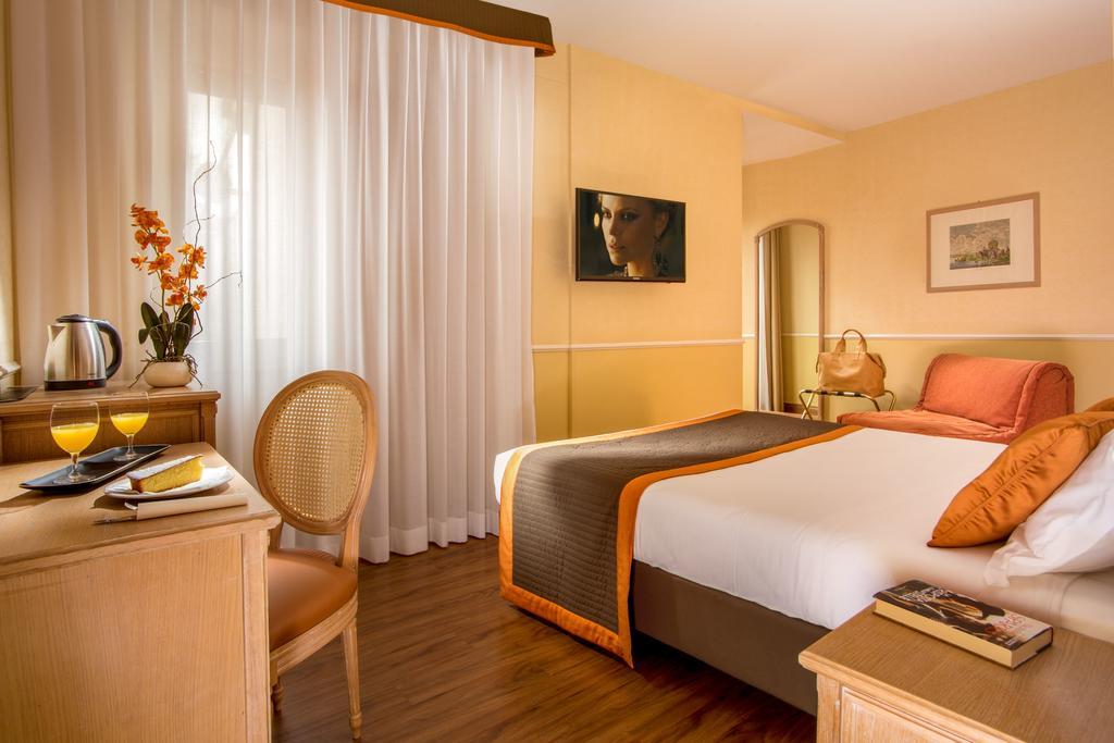 هتل سانتا کاستانزا رم