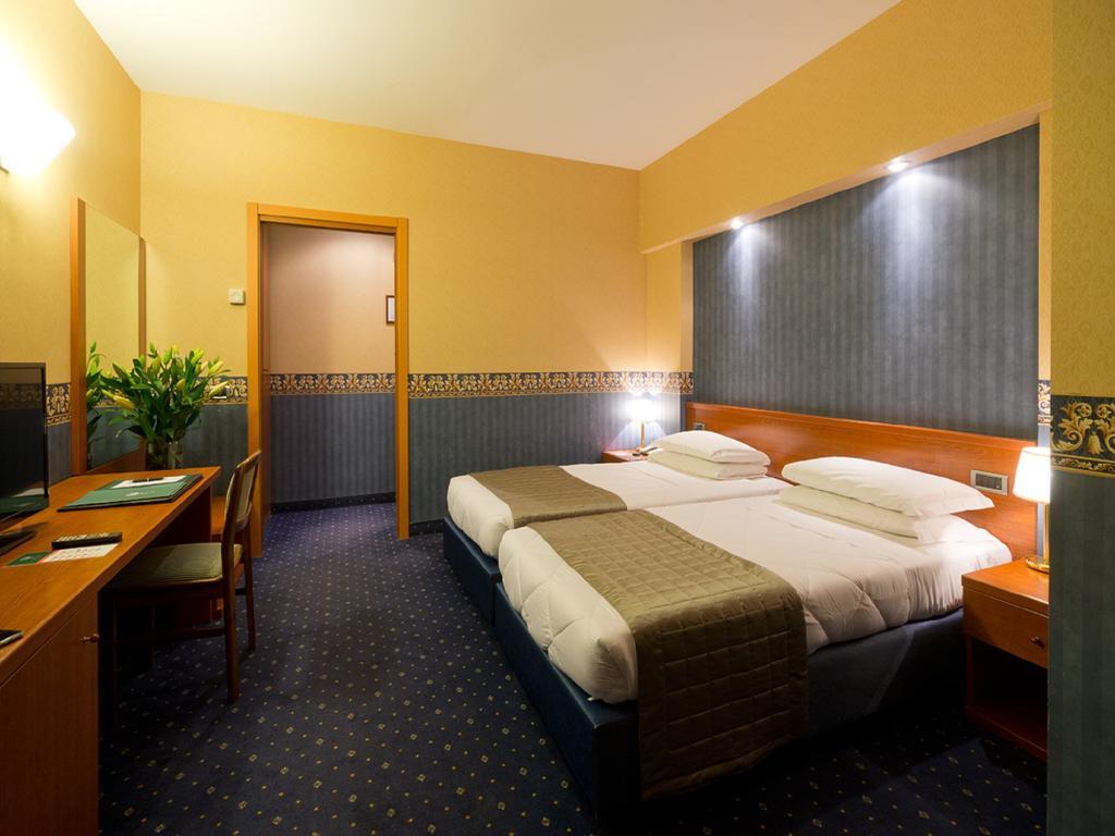 ایی ال ایی گرین پارک هتل پامفیلی رم
