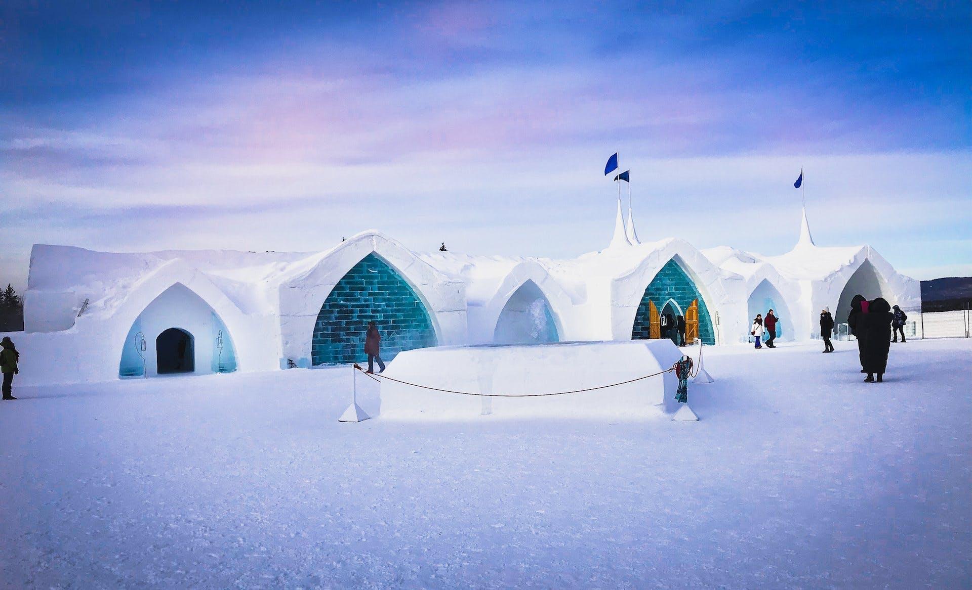 هتل یخی کبک