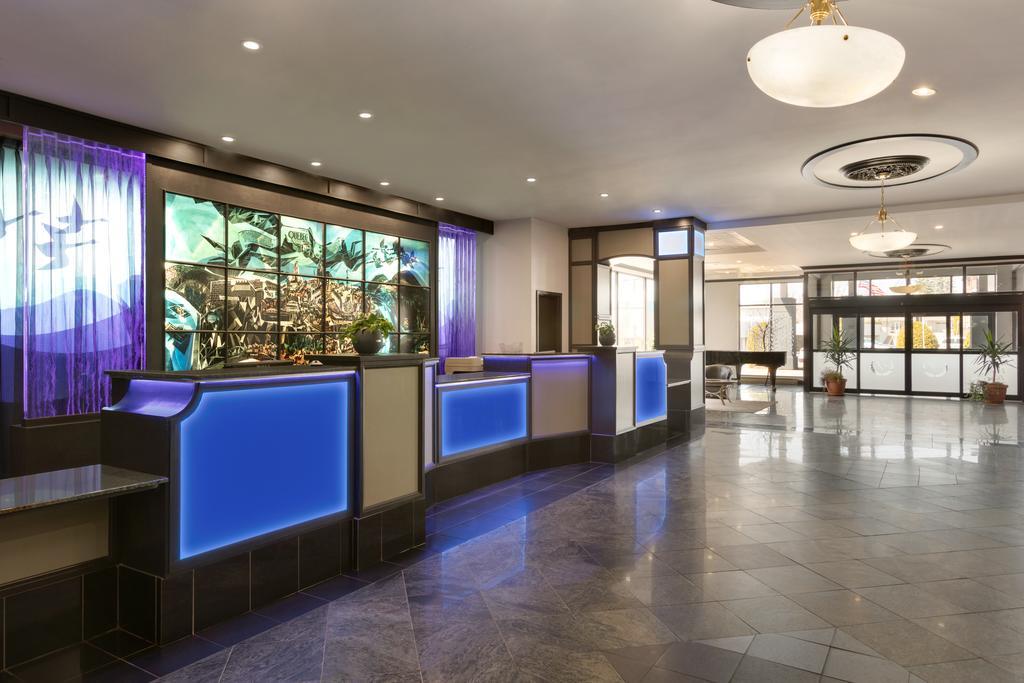 هتل تراولوج بای ویندهام کبک سیتی