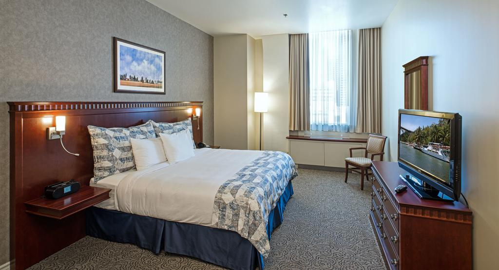 هتل اسکوئر فیلیپ مونترال